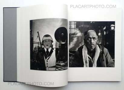 Shinya Arimoto,TOKYO CIRCULATION (Black cover or silver cover, Signed copy)
