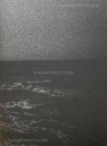 Christopher de Béthune,Invisible Waves